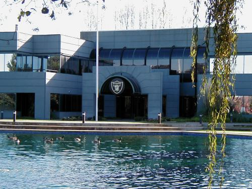 Oakland Raiders Headquarters Amp Training Facility In