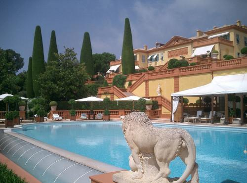 A view of the pool area and the Main Villa