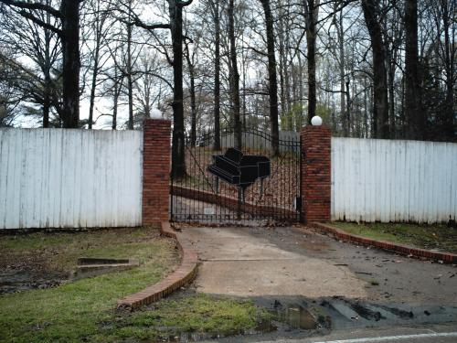 Jerry Lee Lewis' Gate
