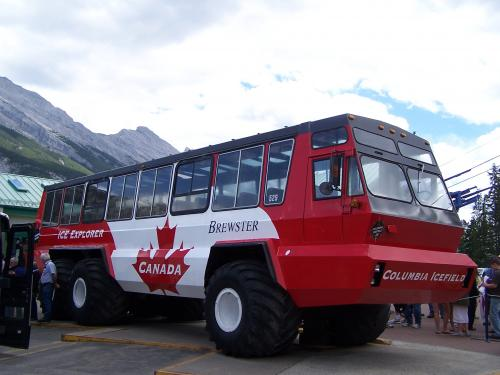 Icefields tourist glacier 'Ice Explorer'