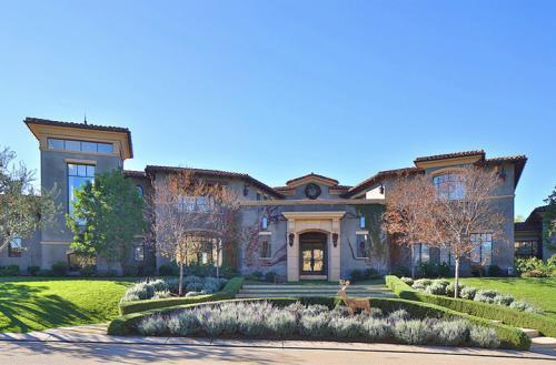 Kourtney kardashian 39 s house in calabasas ca 4 for Calabasas oaks homes for sale