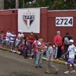 Fans outside São Paulo FC