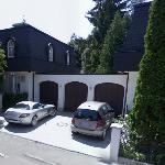 Saif al-Arab Gaddafis Villa in Munich and his Mercedes-Benz SLR McLaren (StreetView)