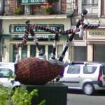 Giant Bagpipes (StreetView)