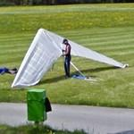Dismantle the hang glider (StreetView)