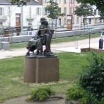 Blaise Pascal statue (StreetView)