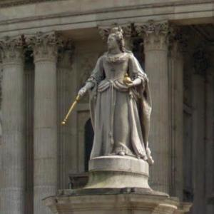 Queen Anne statue (StreetView)