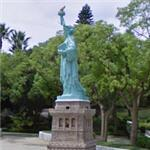 Mini Statue of Liberty (StreetView)