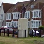 Barnes Wallis' statue