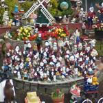 A little bit of garden dwarfs (StreetView)