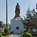 Sor Juana Ines' statue