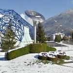 1992 Winter Olympic cauldron and Olympic rings hedge (StreetView)