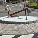 Anchor in a roundabout (StreetView)