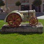 Old Tractor (StreetView)