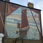 White Hart Thames Barge Mural (StreetView)