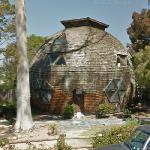 Geodesic home (StreetView)