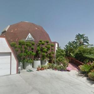 A Geodesic Dome House (StreetView)