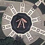 War memorial of five rifles (Google Maps)