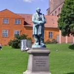 Statue of Hans Christian Andersen (StreetView)