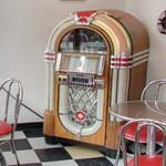 1946 Wurlitzer Model 1015 jukebox (StreetView)