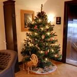 Swedish Christmas tree and a Yule Goat (StreetView)