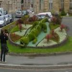 Flower crocodile display (StreetView)