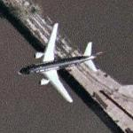 Airplane approaching Philadelphia International Airport (Google Maps)