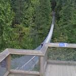 Crossing the Capilano Suspension Bridge (StreetView)