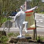Blanc Moussis figure for the Laetare Carnival (StreetView)