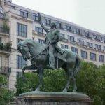 Equestrian statue of George Washington