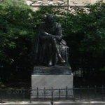 Statue of Montaigne (StreetView)