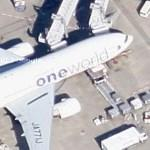 Boeing 777 in Oneworld special scheme (Google Maps)