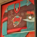 Autographed Detroit Vipers jersey