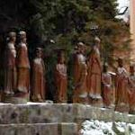 Wooden statues of 16 Hungarian kings