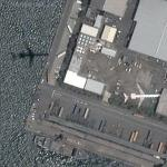 Airplane over Fukuoka harbour (Google Maps)