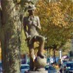 Andy Gump statue (StreetView)