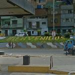 "Bienvenidos ""Welcome"" sign (StreetView)"