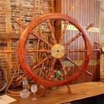 Antique ship's wheel (StreetView)