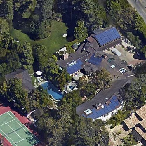 Jim carrey 39 s house in los angeles ca google maps for Jim s dog house