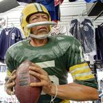 Bart Starr statue (StreetView)