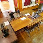 Antique sewing machines (StreetView)