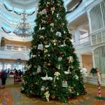 Christmas decorations at Disney's Grand Floridian (StreetView)