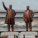 Kim il-Sung and Kim Jong-il statues
