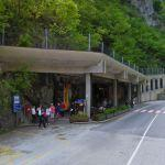 Frasassi cave - Entry (StreetView)