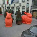 Big orange rabbits (StreetView)