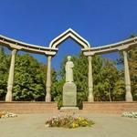 Monument to Kurmanjan Datka
