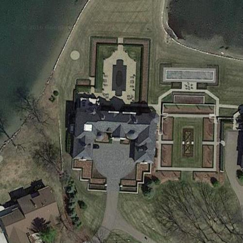 Sergio marchionne 39 s house in commerce mi google maps for Building a home in michigan