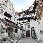Bran Castle Courtyard (StreetView)