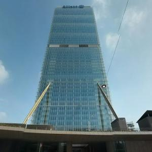 Allianz Tower (tallest building in Italy) (StreetView)