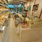 Alléosse Cheese Shop